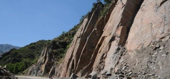 Derrumbes obstaculizan la ruta que va de Nogolí a Río Grande