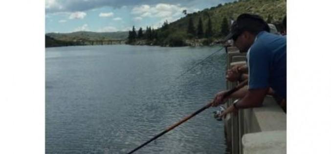 Está habilitada la pesca deportiva de pejerrey en los diques de la provincia