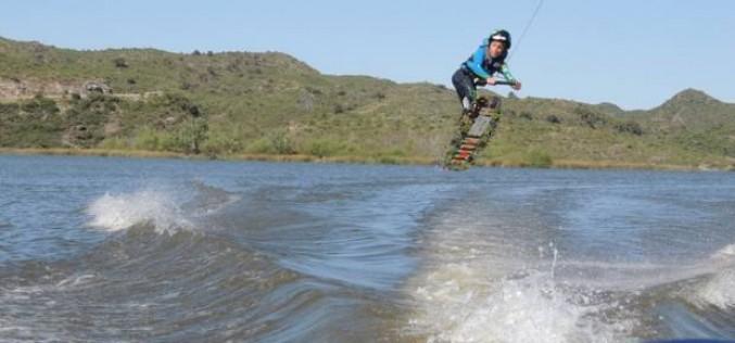 Wakeboard nacional: piruetas en el agua
