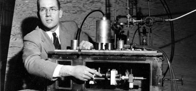 Muere Charles Townes, inventor del láser