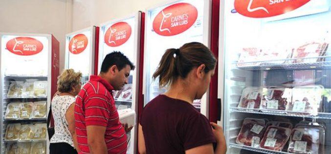 """""""Sol Puntano"""" abrió su primer local de venta de verduras y carne"""