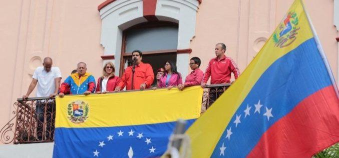 Maduro resiste y rompe relaciones con Estados Unidos