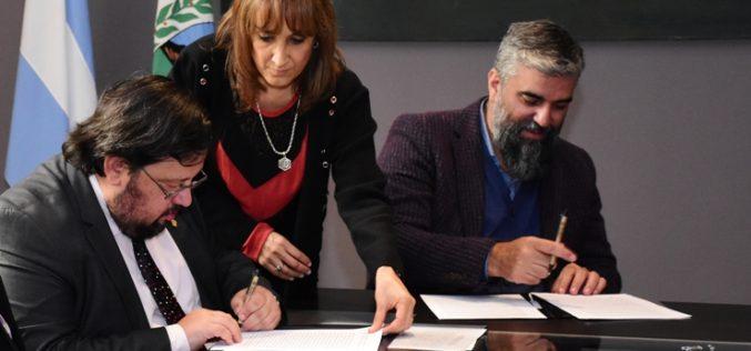 Firmaron un convenio para preservar el patrimonio de la Gruta de Inti Huasi