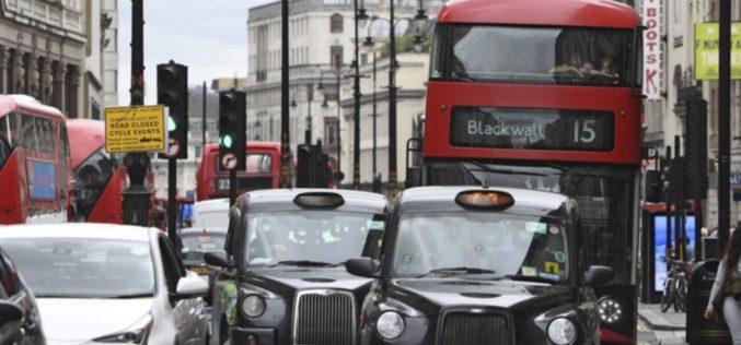 Londres le cobrará peaje más caro a los conductores de vehículos que contaminen